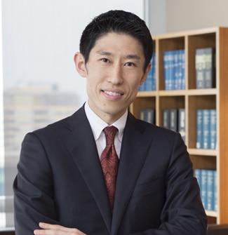 パートナー 矢倉 信介 弁護士